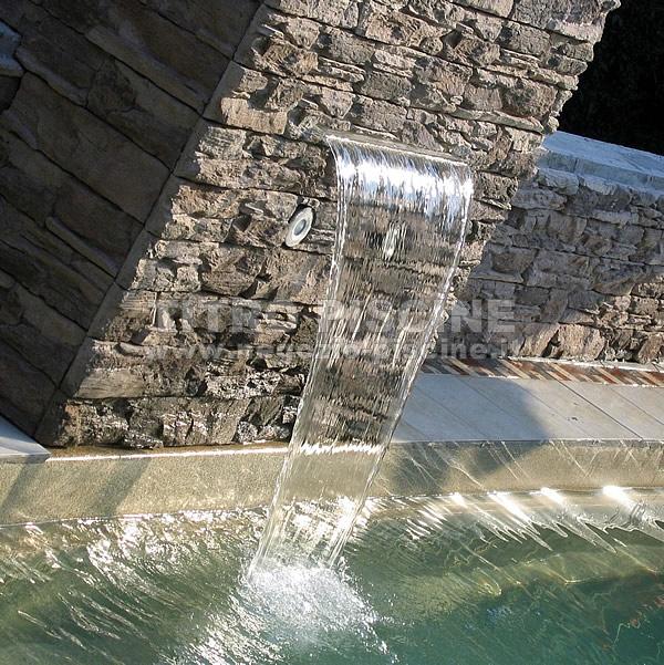 Cascata per piscina da incasso per parete v4a lucida - Cascate per piscine ...